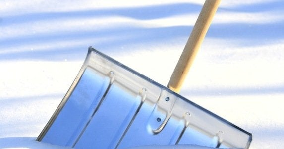 10 snow shovels to clear the path %28and save your back%29