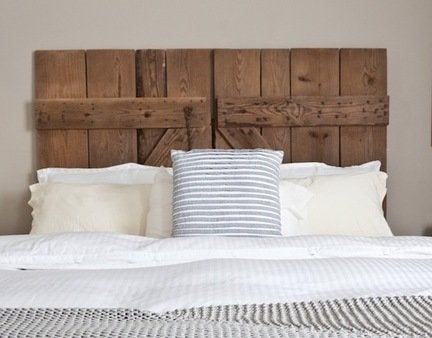 Diy_reclaimed_barn_door_headboard