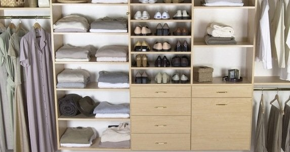 Closet organization 9 pro tips to end stuffication blog.stylitics