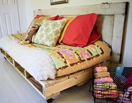 Diy-pallet-bed-finished