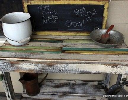 Diy-pallet-potting-bench
