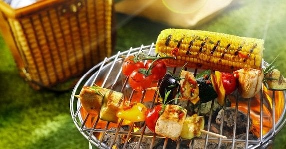 10 top rated grills to fire up this summer