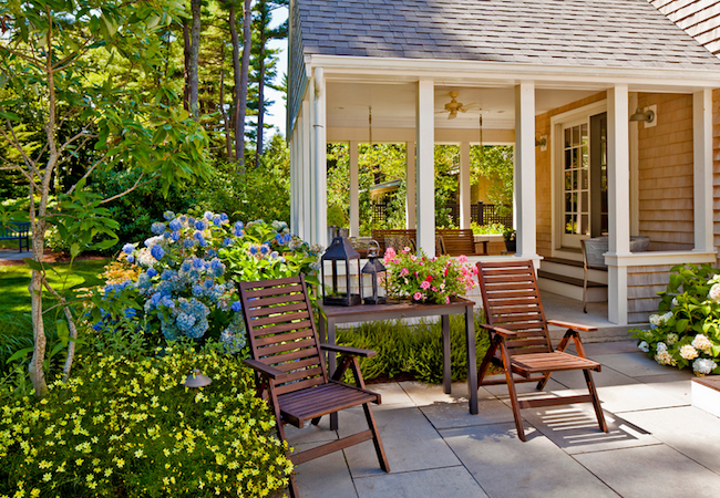 7 Easy Budget-Friendly Backyard Makeovers
