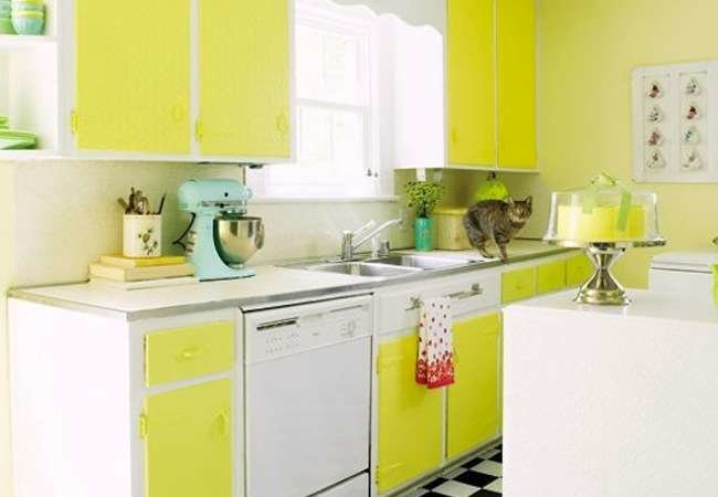 Going Bold: 10 Kitchens That Pop with Color