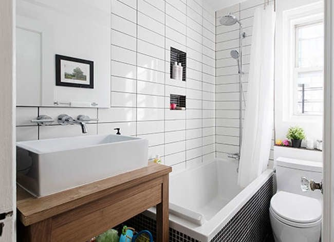 25 Tiny Bathrooms We Love