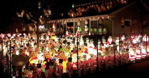 Holiday-decorated-yard-army_of_santas-huffpost
