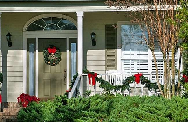 10 Ways to Stage Your Home for the Holidays