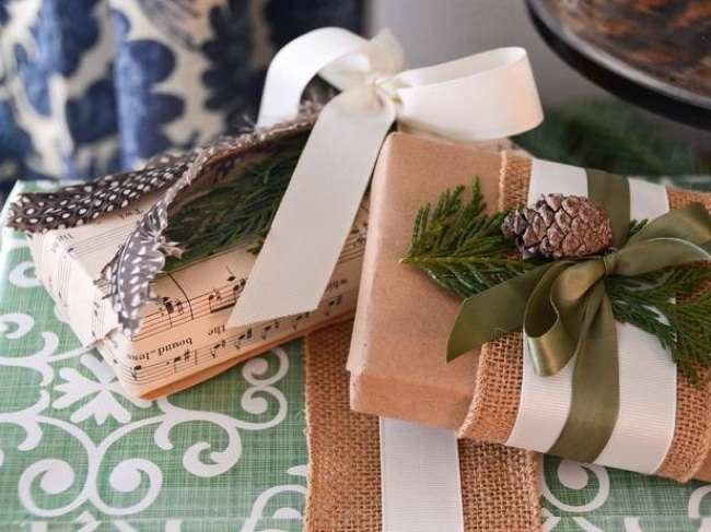 Wrap It Up! 10 DIY Ways to Bedeck Your Holiday Gifts