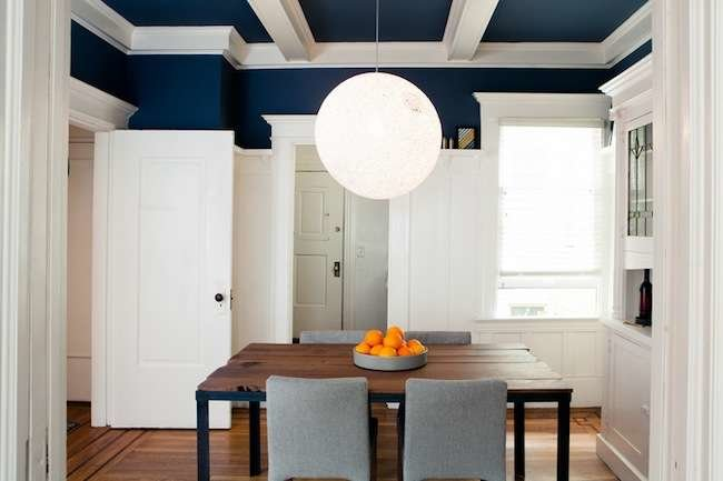 Blue painted ceiling painted ceiling ideas 11 colors for Dining room ceiling paint ideas