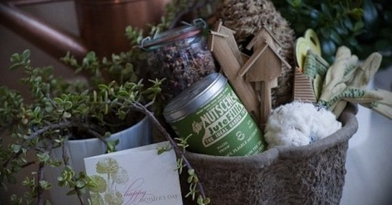 Diy-mothers-day-gift-ideas-gardening-basket-500x332