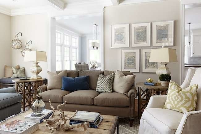 Living Room Paint Colors: 9 Top Picks from the Pros