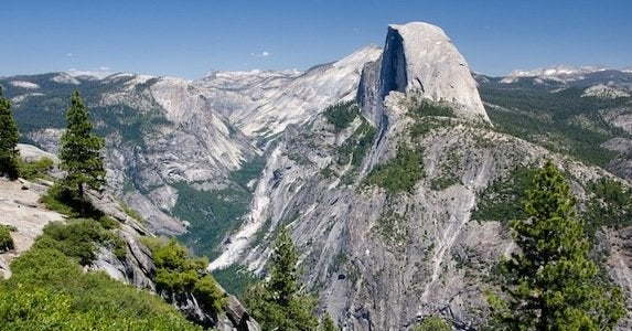 Yosemite_valley_half_dome