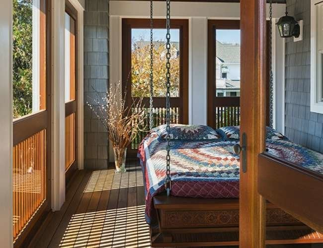 12 Seductively Serene Screened Porches