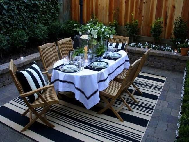 Eating Out: 10 Essentials for Alfresco Dining