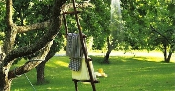 Outdoor-showers