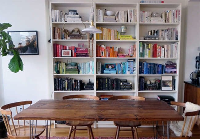 Dos and Don'ts of Arranging a Bookshelf