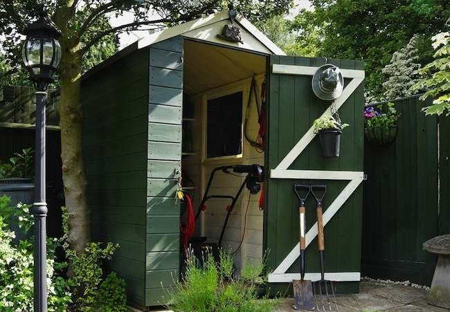 "Bob Vila's 10 ""Must Do"" Projects for August"