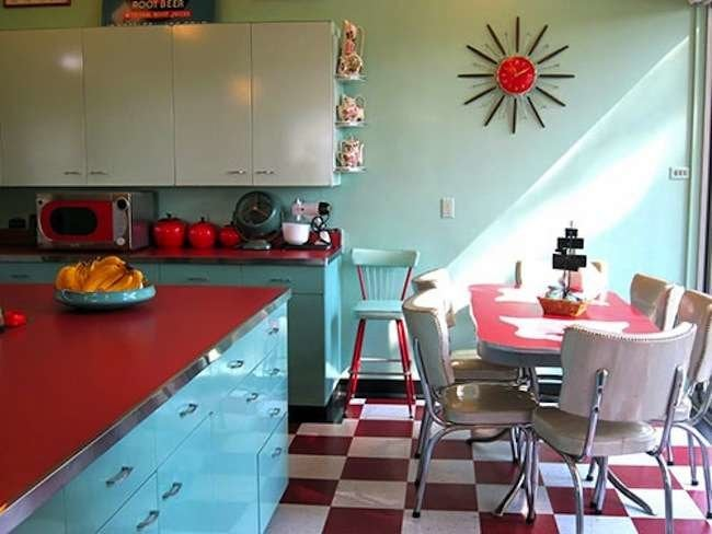 10 Essentials for a Retro Kitchen