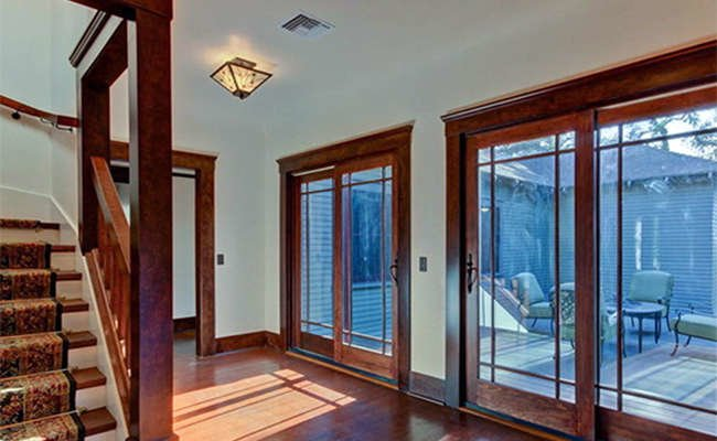 House Tour: Go Inside a 100-Year-Old Craftsman, Recently Restored