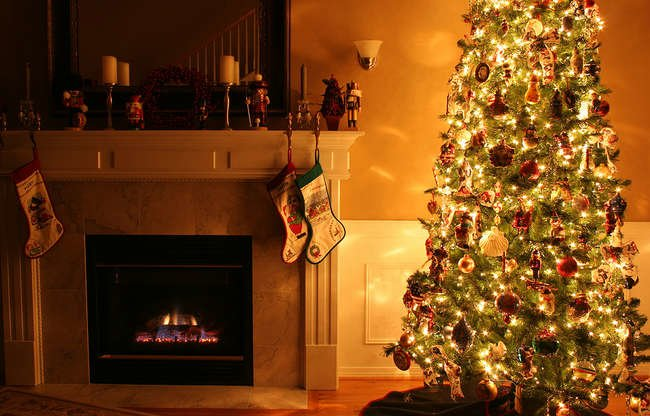 Look Alive: 8 Ways to Make Your Fake Tree Fool Anyone