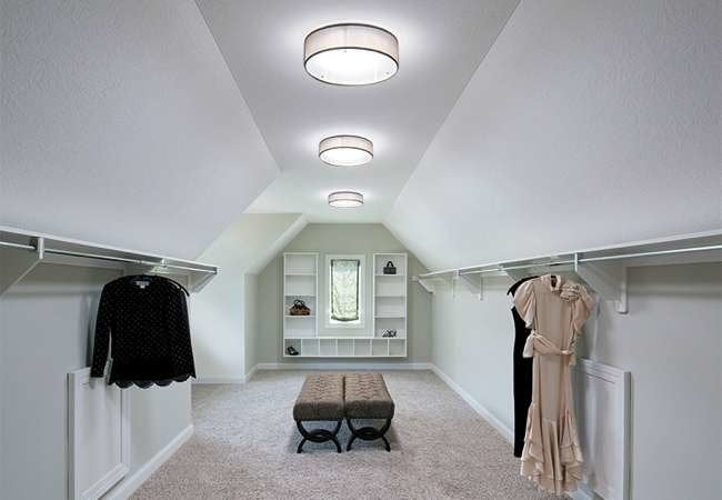 Skylight Innovation Rescues 6 Sunless Spaces