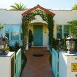 12 Curb Appeal Ideas to Steal from Hollywood Homes