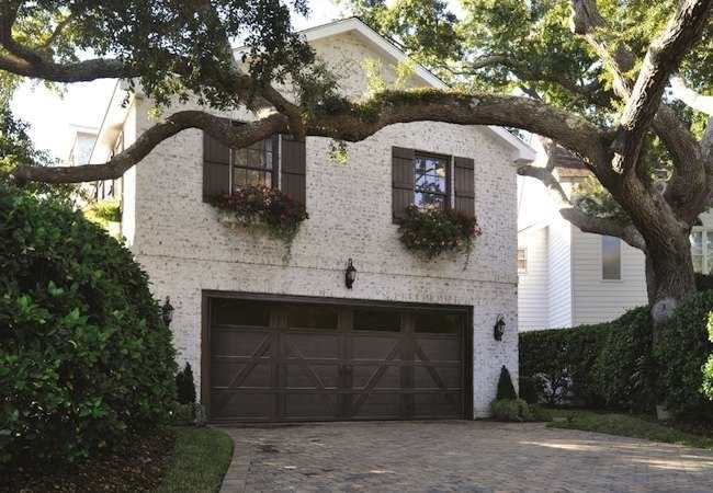 Re-Do Your Home Exterior with a New Garage Door