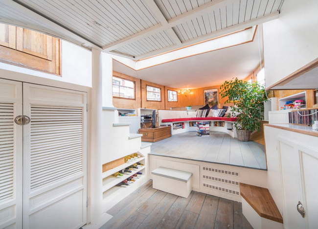 10 Space-Saving Ideas to Steal from Houseboats