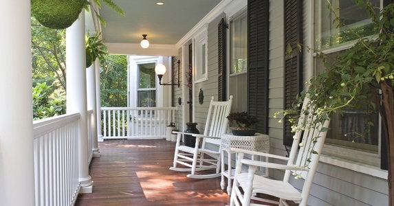 Porch_makeover_-_declutter