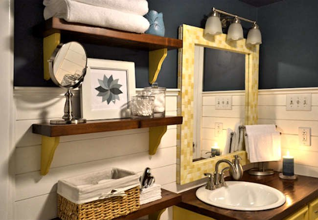 "Before and After: 5 ""No Renovation"" Bathroom Makeovers"