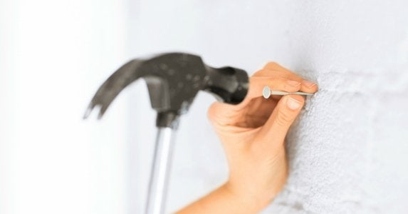 The easier way to hammer a nail