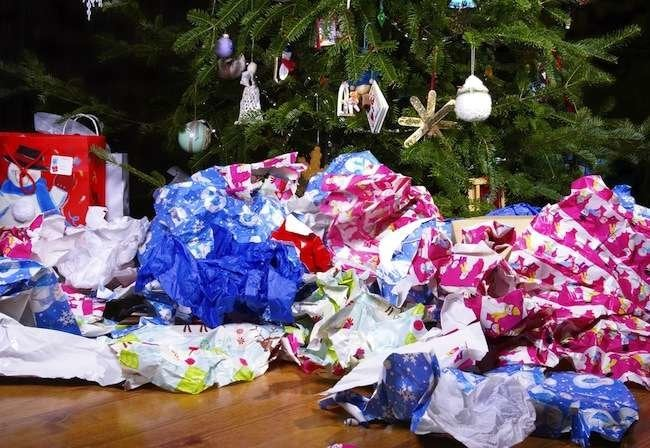 9 Tips and Tricks to Cut the Christmas Clutter