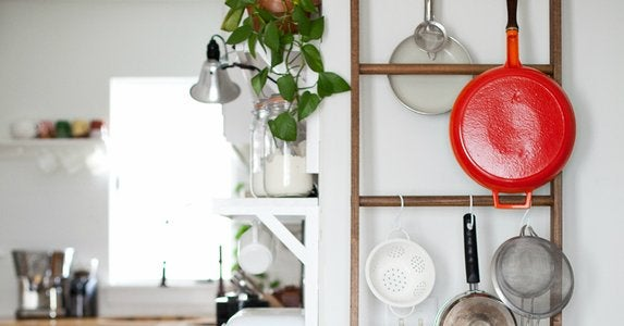 Diy-leaning-pot-rack
