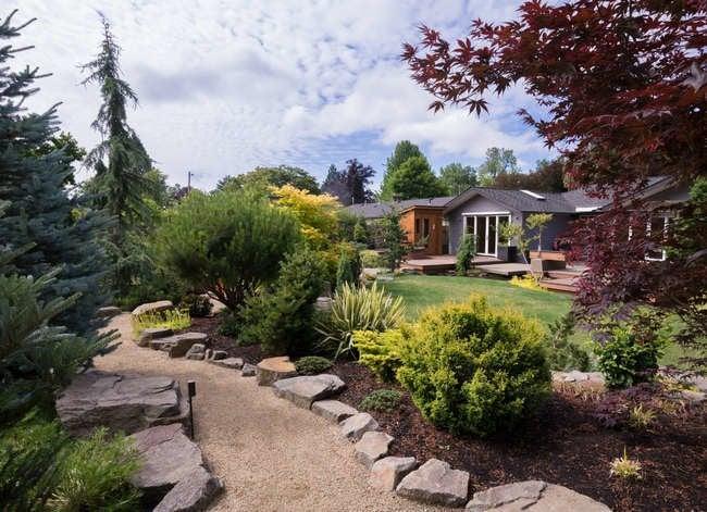8 Smart Ways to Put Your Garden on Autopilot