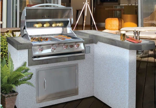 8 Best Buys for an Outdoor Kitchen You Can Afford