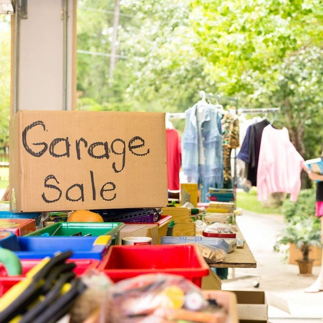 10 Ways to Score Big at a Yard Sale