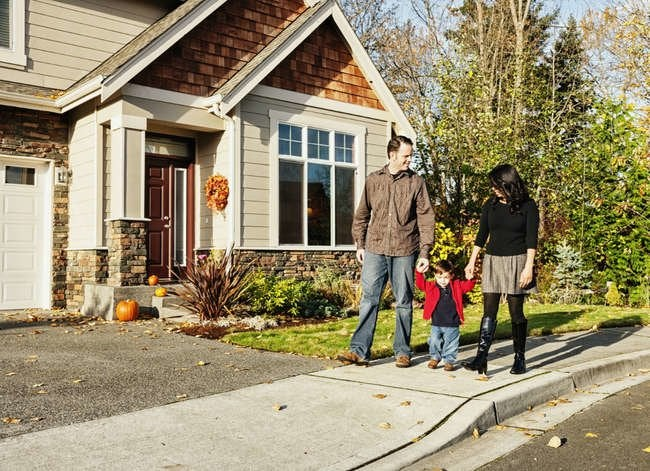 10 Surprising Reasons to Start House Hunting in Fall