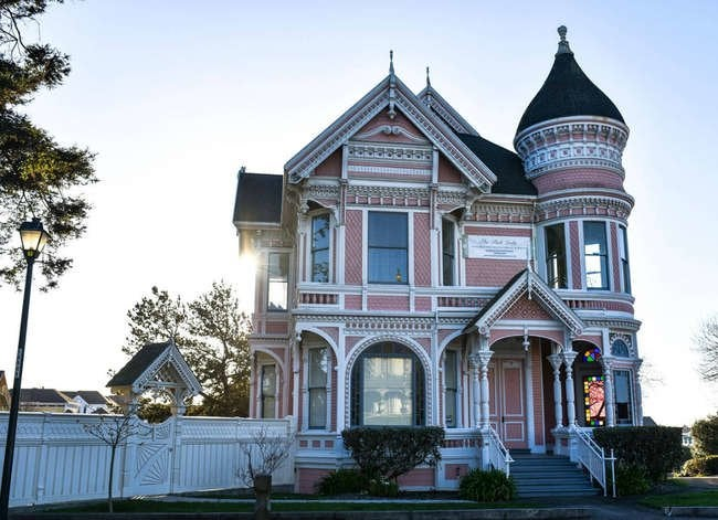 18 American Towns Every Old-House Lover Needs to See