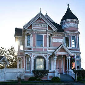 18 Towns Every Old-House Lover Needs to See