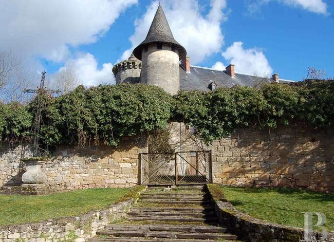 18 Castles You Can Buy (for Less Than You Think)