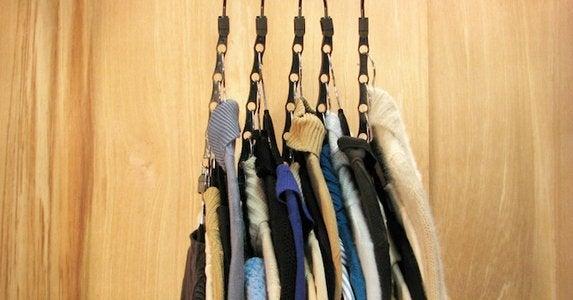 Cascading clothes hanger