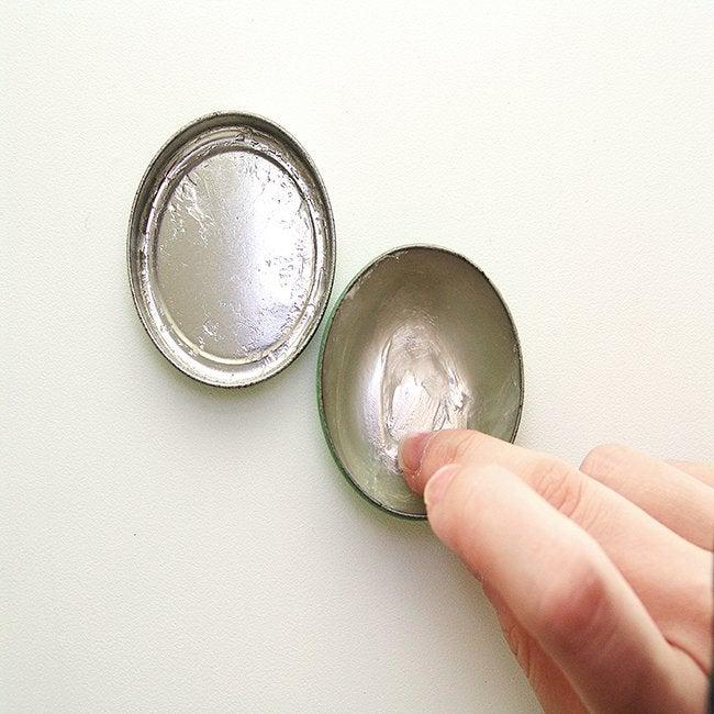 14 Unusual Uses for Vaseline