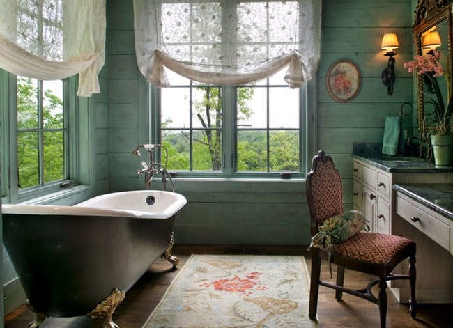 12 Vintage Bathroom Features That Never Go Out of Style