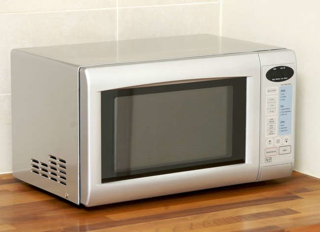 13 Things Never to Put in the Microwave