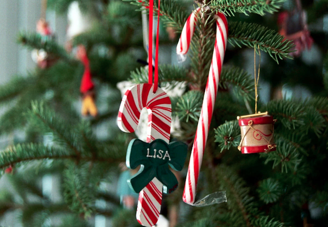 10 Ways to Decorate Your Xmas Tree for Under $10