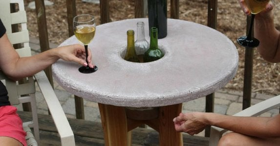 Concrete patio tabletop with quikrete