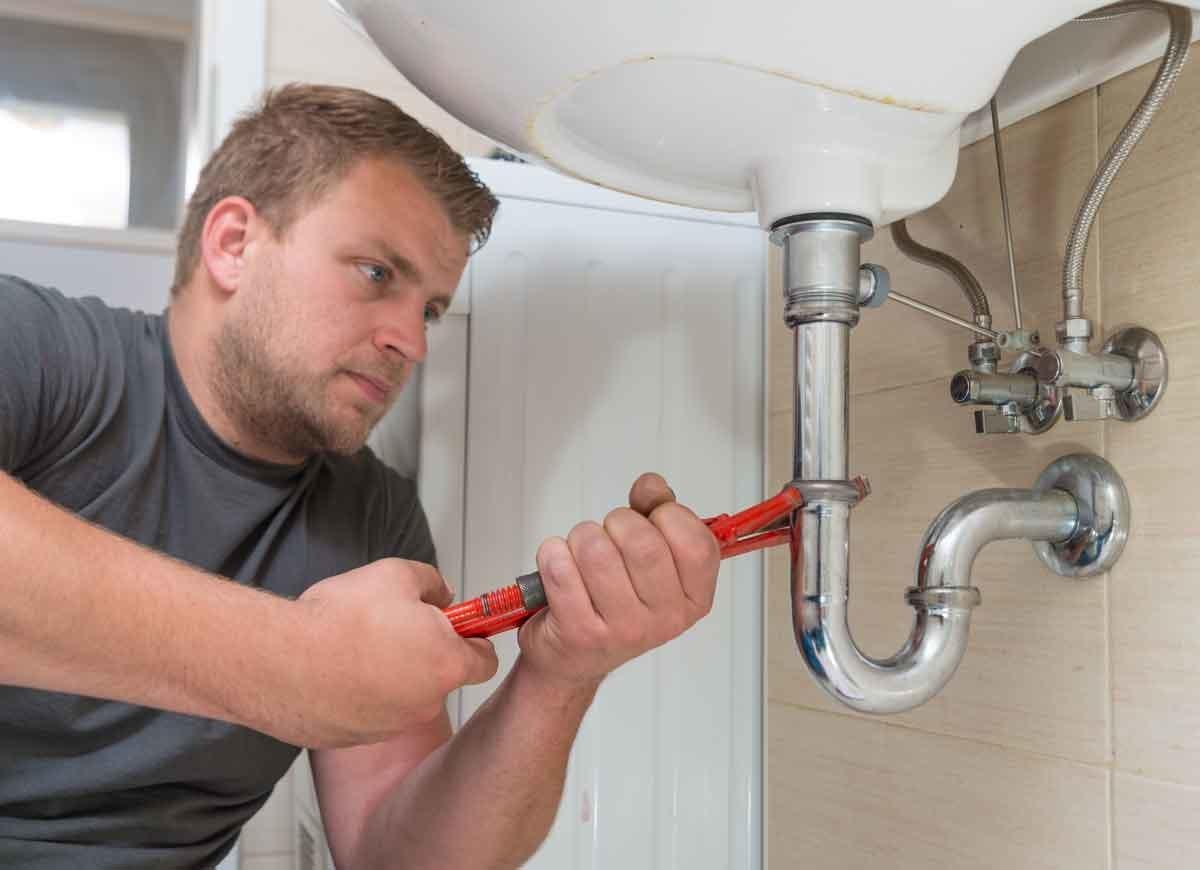 10 Plumbing Tips Everyone Needs to Know