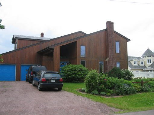 3410-red_cedar_home_in_ne