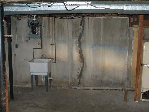4078-basement_cracks_in_w