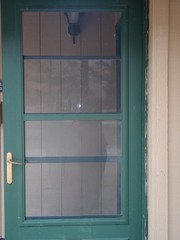 Screendoor_outside_(2)